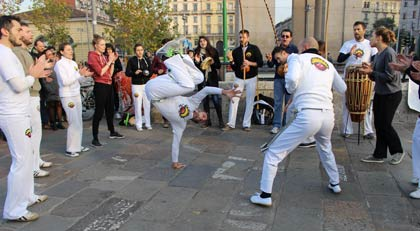 Roda of Capoeira Sou Eu group at Darsena, Milano for the Global Climate Parade